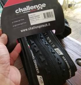 2 Pieces of Challange Gravel tires 700x38c