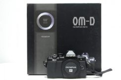 Olympus OM-D E-M10 Mark II Free ECG-3 Camera Grip