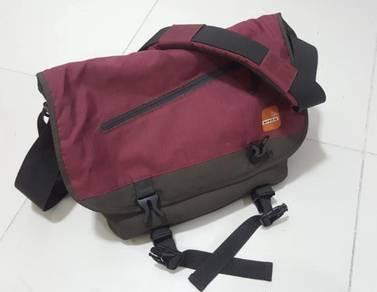 Winer Sling DSLR bag