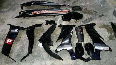 Set 125zr hitam oren orimoto dan helmet