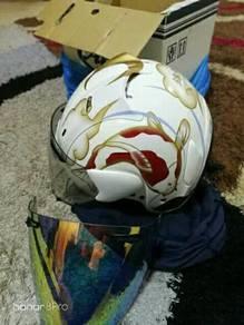 Helmet Ikan Koi