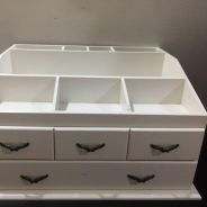 Cosmetic organizer rack