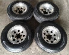 15 inch Mickey Thompson Sport Rim (10JJ) and Tyres