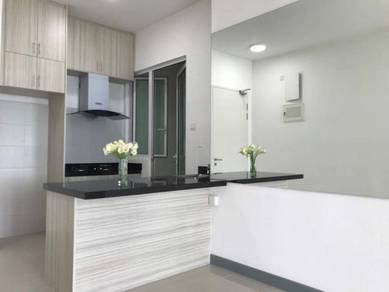 {Full Loan} 3r2b Shah Alam Klang Condominium 0% Downpayment Beside LRT