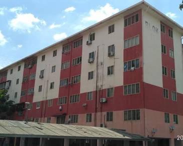 Apartment in Jalan Bintang U5/33, Seksyen U5, Shah Alam, Selangor