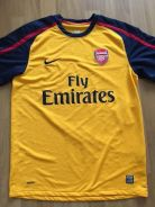 Arsenal 2010/2011 away size M