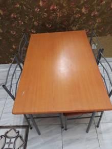 Meja 4 kerusi ( xde problem pape lagi)