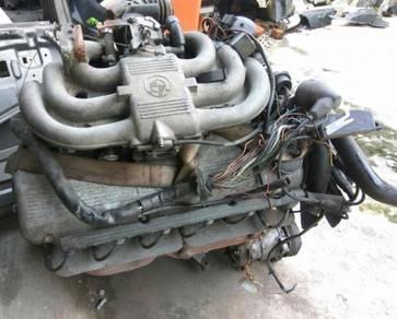 BMW E28 E30 M20B27 Engine