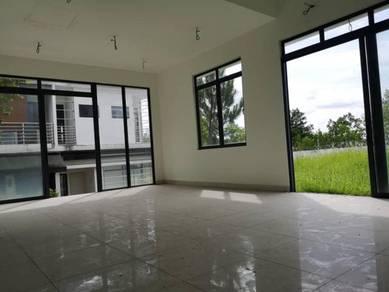 [BELOW MARKET]2 Storey Corner House Lakeclub Parkhomes Rawang
