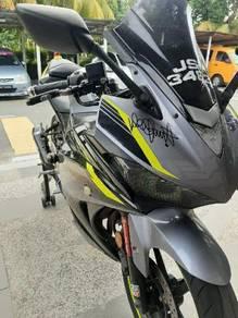 Yamaha r25 (2017)