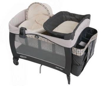 Graco Pack 'N Play with Newborn Napper Elite