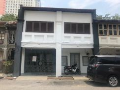 2 Unit shophouse to be sell together in town cente