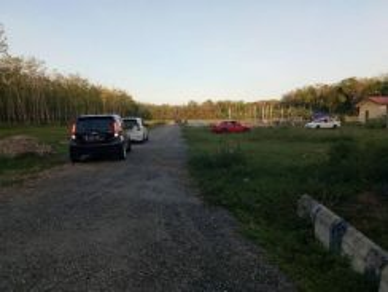 Tanah lot tepi jln 2km dari simpang 4 pkn pokok sena