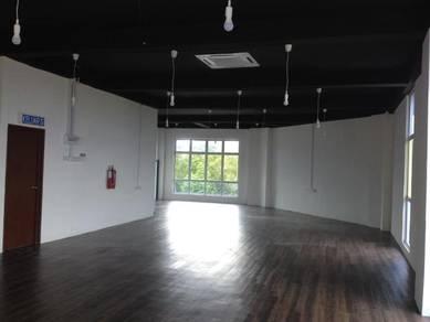 Flooring PVC , Laminated , Carpet.240618
