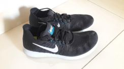 Nike running shoes original like new condition