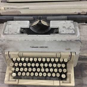 Typewriter OLIVETTI LINEA 98