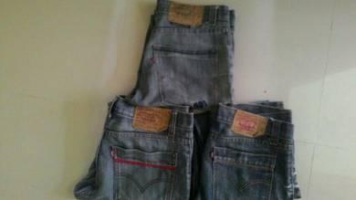 Seluar jeans levi's saiz 33/34