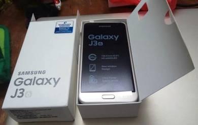 Samsung Galaxy J3 6 - New Set
