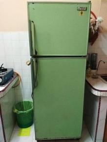 Pati Ais, Peti Sejuk, Refrigerator