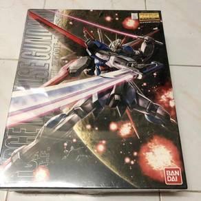 Bandai MG Gundam
