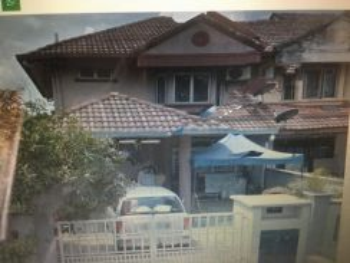 25x70 2 stry end lot terrace house, sell below 45%, tmn subang murni