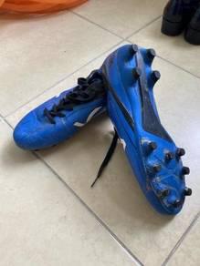 Size 41 voeller soccer shoes ⚽️