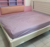 Queen size bed include bed frame and mattress