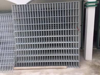 Galvanized Steel Welded Mesh Fence