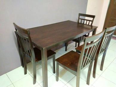 Set meja makan 6 kerusi