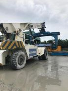 Lifting Reach Stacker TFC45Rh without clamp