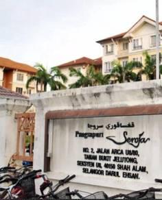 2nd Floor Corner Unit Seoja apartment Bukit Jelutong, Shah Alam