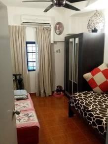 Medium room for rentampang villa condo
