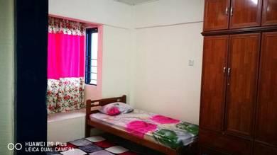 Bilik untuk disewa / Room for rent Saujana Puchong