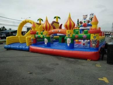 Balloon giant - belon istana