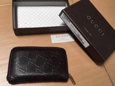 Authentic Gucci zipper wallet grey wallet