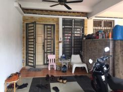 Beautiful renovated & extended. TMN BANDAR SENAWANG-