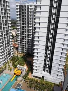 Freehold Apartment Parkland Condominium Corner, near Aeon, in Town