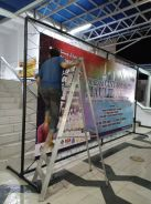 Baricate steel backdrop stand
