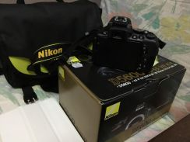 Nikon 5600 with 64gb mc