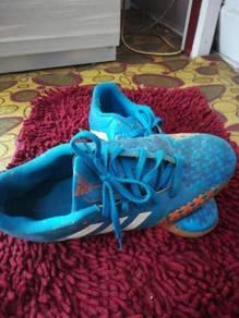Futsal shoes, kasut futsal