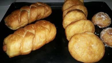 Roti sosej/ pau grg / donut