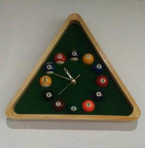 Pool Table Themed Clock