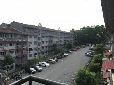 Taman Equnie Apartment with Big sqft and balcony(Putra permai Type C)