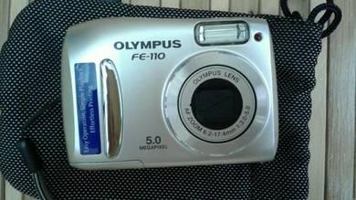Olympus 5megapixel digital camera with 256card