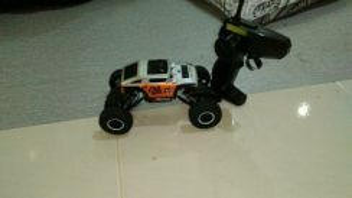 Jeep road crawler 2.4ghz. car vs wild
