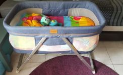 Pouch baby craddle/cot