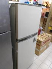 SAMSUNG 2 Door Refrigerator R21 - terpakai