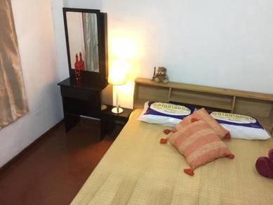 Fully furnished. 5 Min walk to LRT & MRT MALURI- Miharja Condo