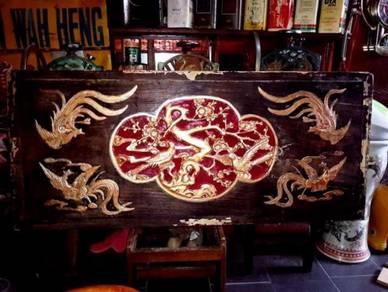 Ukiran kayu peranakan antiques