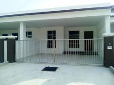 Single Storey Terrace Esplanade Area-Miri